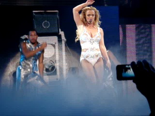 Britney Spears, FEMME FATALE TOUR, Kiev - Hold it against me